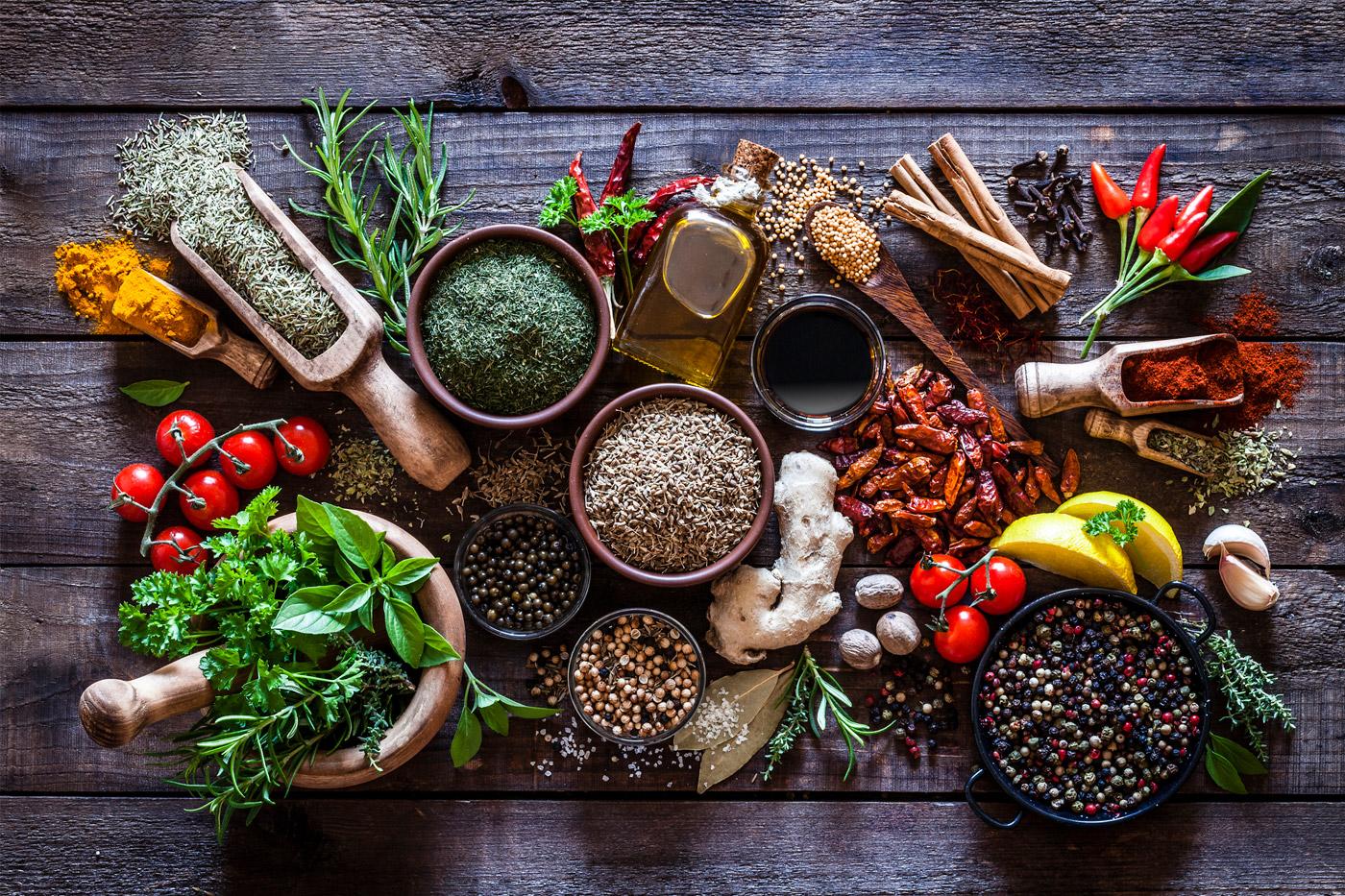 Aprenda a usar ervas e especiarias nos seus pratos